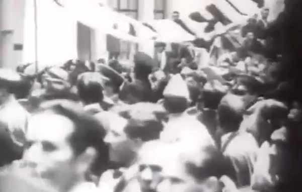 """Washington Luís é destituído da Presidência:  triunfa aRevolução de 1930. Trecho do documentário """"1930: Tempo de Revolução"""" (1990), de Eduardo Escorel"""