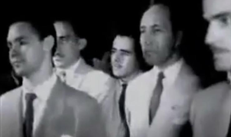 """Trecho do cinejornal """"Chama Queremista de 1945"""""""