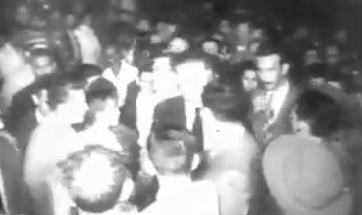 """Trecho do documentário """"Getúlio Vargas"""" (1974), da cineasta Ana Carolina, com o discurso de Ademar de Barros anunciando o apoio a Getúlio Vargas"""