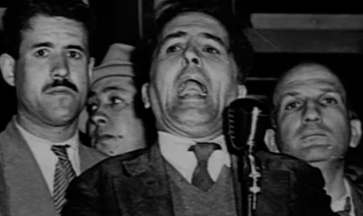 """Em trecho do filme """"O Velho — a História de Luís Carlos Prestes"""" (1997), de Toni Venturi, Prestes comenta o documento de 1950"""