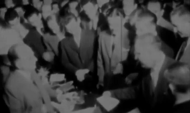 """João Goulart toma posse como ministro do Trabalho de Getúlio Vargas. Trecho do documentário """"Jango"""" (1984), de Sílvio Tendler"""