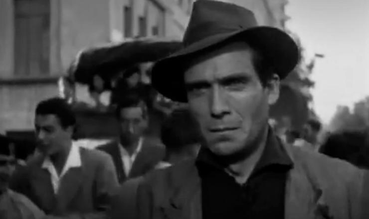 """""""Rio, 40 Graus"""" foi diretamente influenciado pela estética do neorrealismo italiano. Trecho do filme """"Ladrões de Bicicleta"""" (1948), de Vittorio de Sica"""