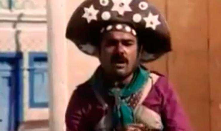 """Armando Bógus (João Grilo) e Antônio Fagundes (Chicó) no filme """"A Compadecida"""" (1969), de George Jonas, uma das várias adaptações cinematográficas da peça de Ariano Suassuna"""