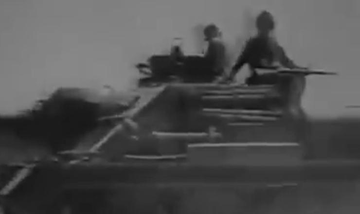 """O fracasso na invasão à baía dos Porcos no auge da Guerra Fria foi constrangedor para o governo dos Estados Unidos. Trecho do documentário """"Memórias Cubanas: um Dia com Fidel """" (2011), de Gianni Minà"""