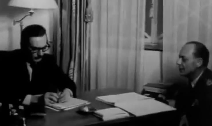 """Um delegado de costumes.  Assim Jânio também entraria para a História, embora tivesse governado pouco mais que um semestre. Trecho do documentário """"Os Anos JK: uma Trajetória Política"""" (1980), de Sílvio Tendler"""