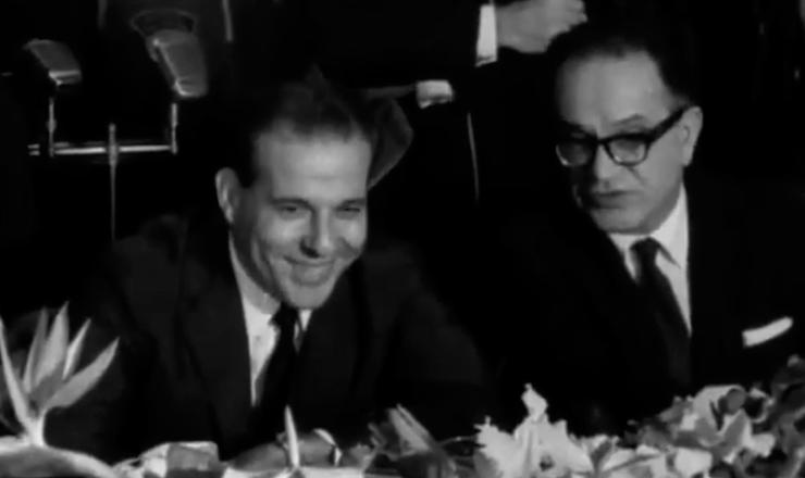 """Brochado da Rocha substituiu Tancredo Neves no cargo de primeiro-ministro. Era um político do círculo de Brizola e estava disposto a acabar com o próprio regime que comandava. Trecho do filme """"Jango"""" (1984), de Sílvio Tendler"""