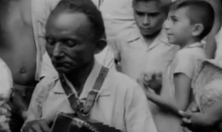 """Na serra do Talhado (Paraíba), as origens escravocratas da região determinaram o estado de miséria social a que estava submetida. Trecho do filme """"Aruanda"""" (1960), de Linduarte Noronha"""