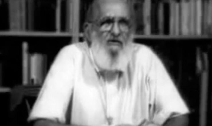"""Paulo Freire acreditava que o conhecimento pode ser, em si, revolucionário. Trecho do filme """"Paulo Freire Contemporâneo"""" (2006), de Toni Venturi (TV Escola)"""