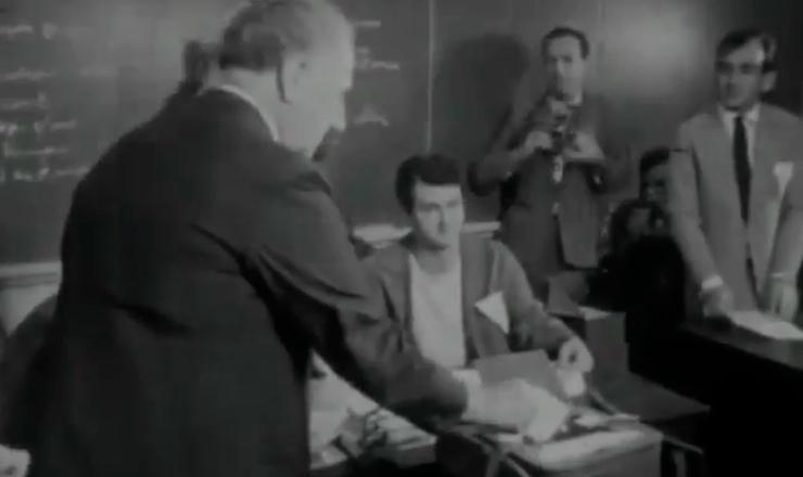 """As eleições de 1962 ficaram marcadas pelo financiamento de campanhas da oposição feito pelo Ibad, que interferiu diretamente nos resultados finais. Trecho do documentário """"Jango"""" (1984), de Sílvio Tendler"""