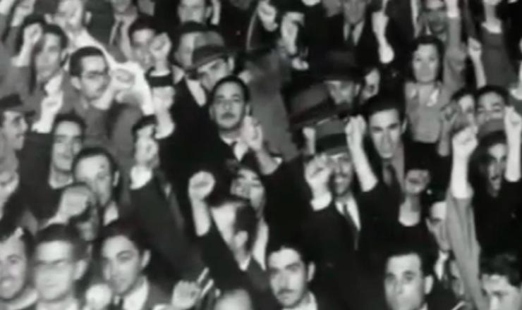 """Lei de Segurança Nacional não impediu o crescimento da ANL.Trecho do documentário """"1935: o Assalto ao Poder"""" (2002), de Eduardo Escorel"""