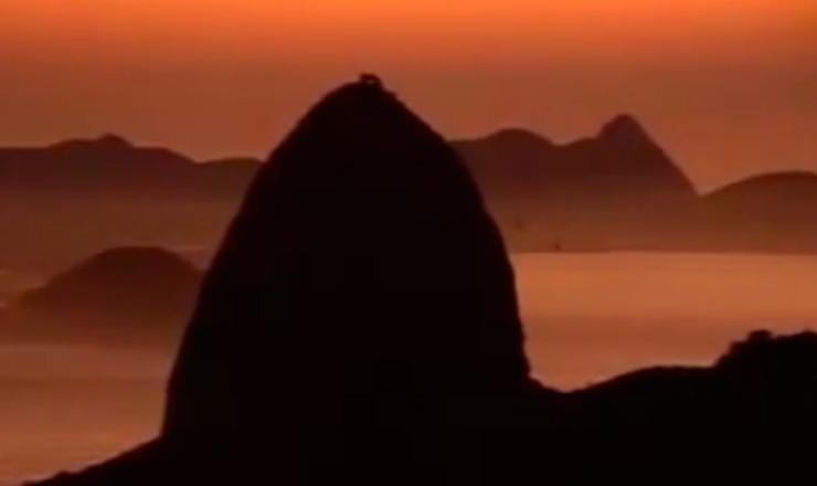 """Levante no Rio de Janeiro.Trecho do documentário """"1935: o Assalto ao Poder"""" (2002), de Eduardo Escorel"""