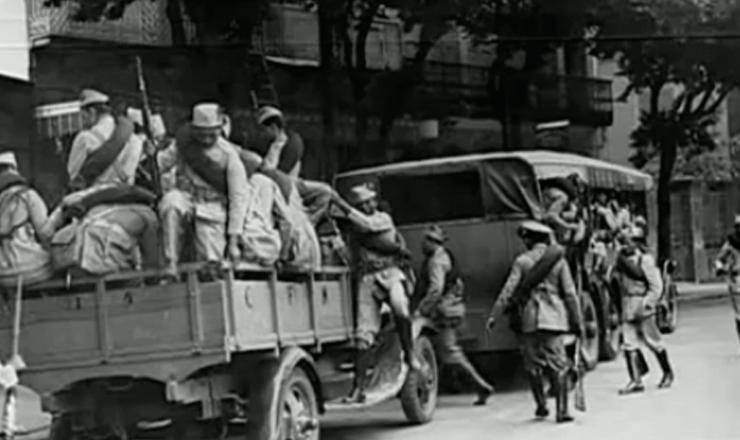 """Os levantes de Natal, Recife e Rio de Janeiro.Trecho do documentário """"1935: o Assalto ao Poder"""" (2002), de Eduardo Escorel"""
