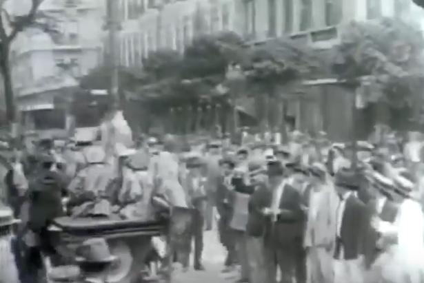 """Trecho do documentário """"1930: Tempo de Revolução"""" (1990), de Eduardo Escorel"""