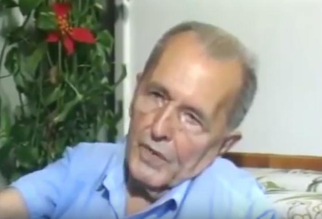 """Luís Carlos Prestes fala sobre seu manifesto contra a revolução de 1930.Trecho do documentário """"1930: Tempo de Revolução"""" (1990), de Eduardo Escorel"""