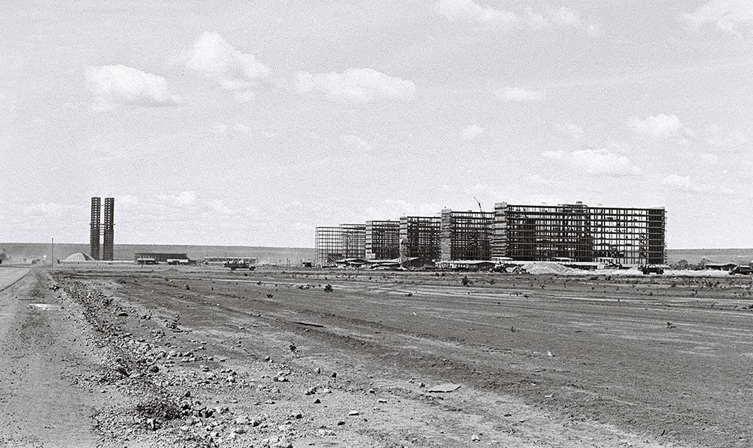 Construção da Esplanada dos Ministérios. Crédito: Reprodução