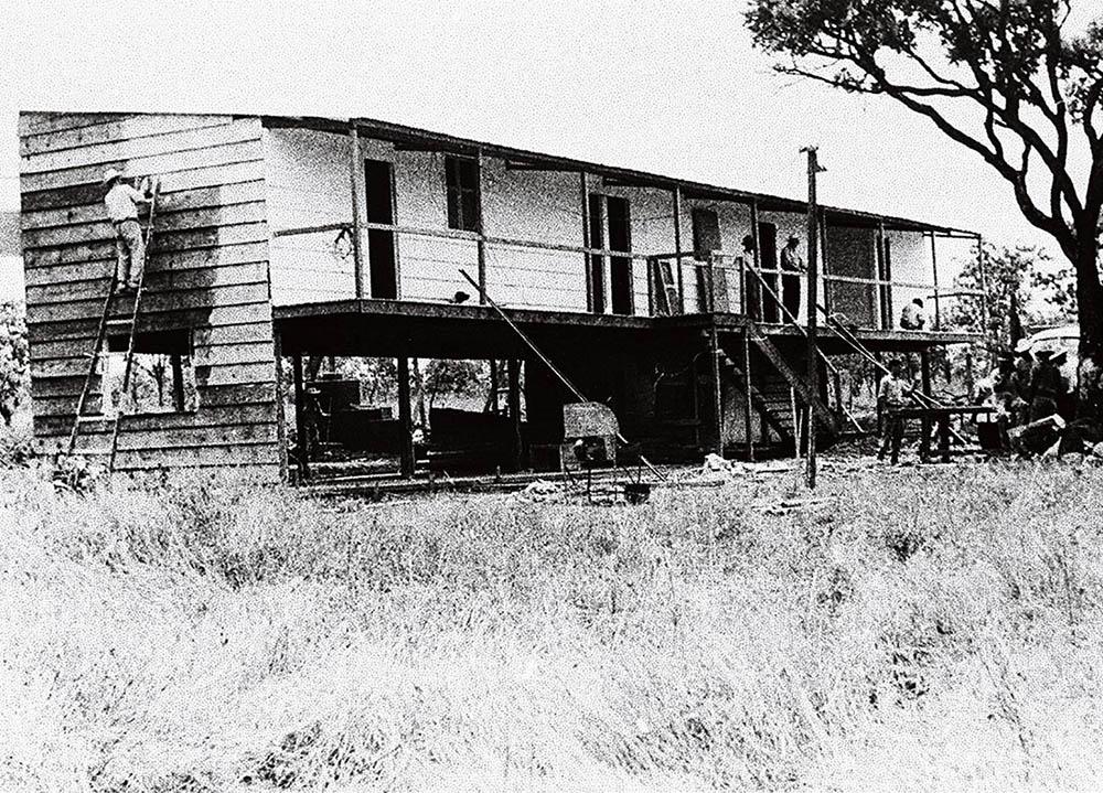 Últimos dias da construção do Catetinho. Data: 1956. Arquivo Público do Distrito Federal
