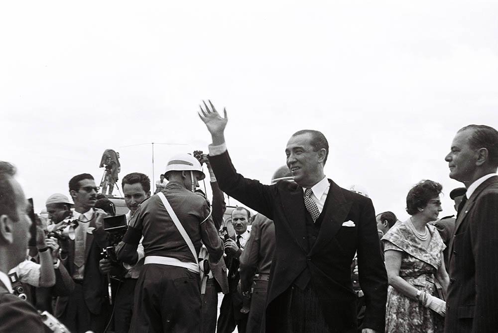 Presidente Juscelino Kubitschek na Inauguração de Brasília. 21/04/1960. Arquivo Público do Distrito Federal.