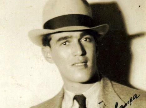 """Gilberto Alves canta """"Cecília"""", de Roberto Martins e Mário Rossi"""