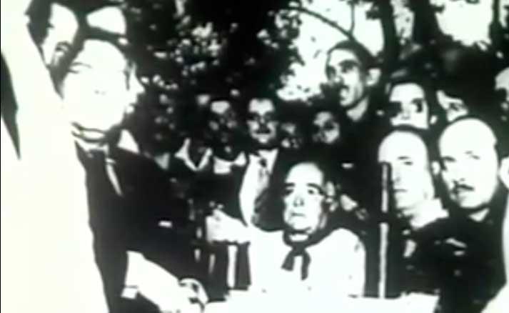 """Trecho do filme """"Getúlio Vargas"""" (1974), da diretora Ana Carolina, mostra o diálogo entre Getúlio e seu filho antes de se decidir pelo apoio"""