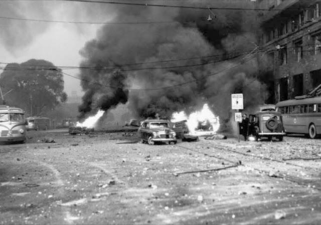 Pouco antes do golpe que derrubou Perón, os militares chegaram a bombardear a Praça de Maio