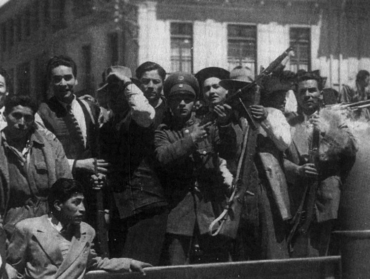 A Revolução Boliviana de 1952, nas ruas. Crédito: Bettmann /Colaborador - Editorial: 514980858 - Coleção: Bettmann – Getty Images