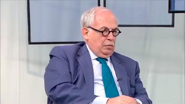 Marco Aurélio Garcia,  então chefe da Assessoriachefe da Assessoria Especial da Presidência da República para Assuntos Internacionais fala sobre a recusa de França e EUA a aceitar que outros países tivessem uma influência tão marcante na geopolítica global