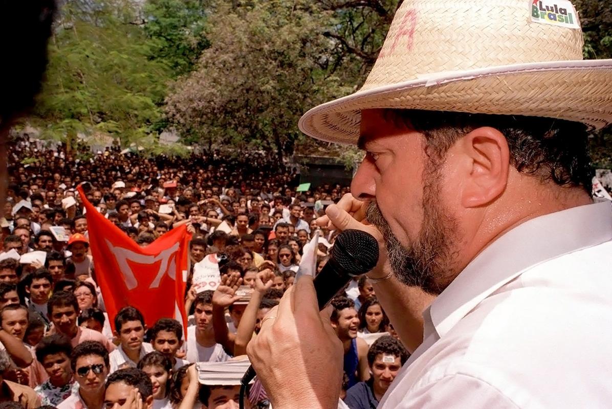 Em Teresina, no Piauí, Estado visitado na caravana iniciada em 19 de março de 1994 e que percorreu também o Ceará, a Paraíba e o Rio Grande do Norte. (Foto: Marcelo Soubhia/Folhapress)