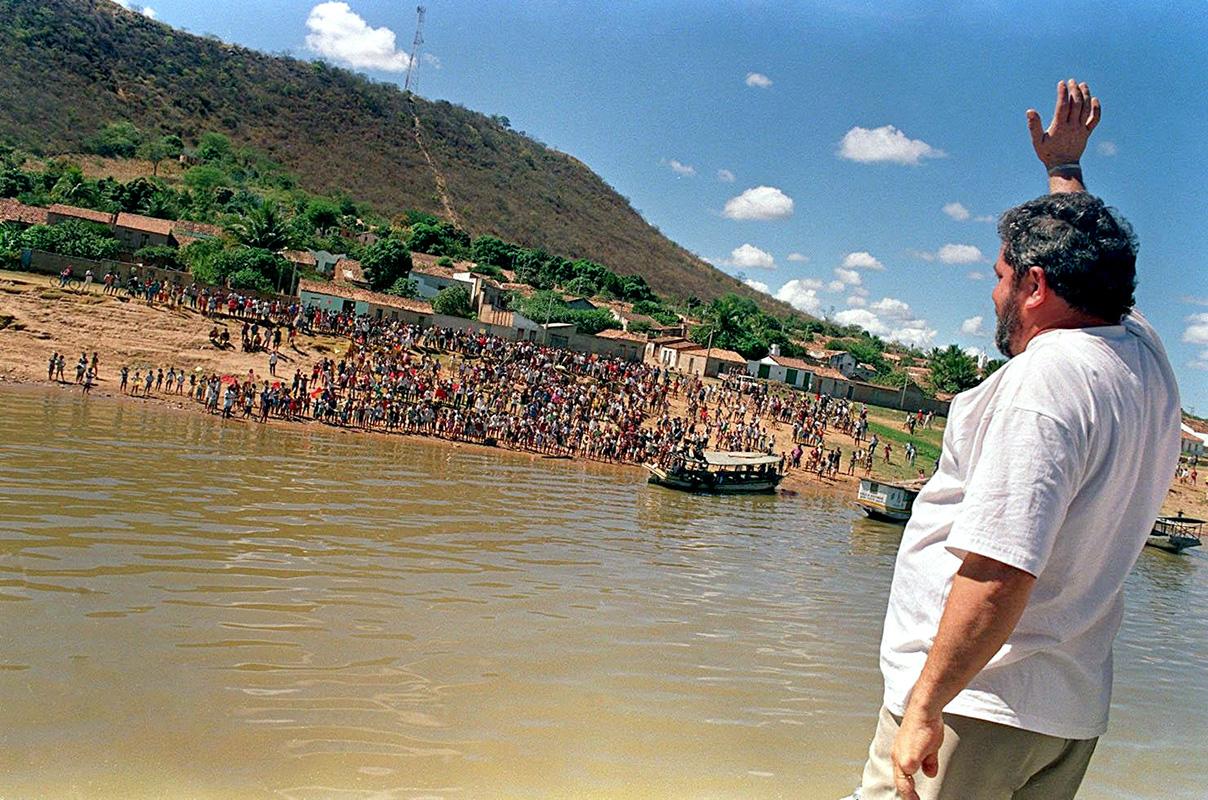 Em Morpará, um dos municípios mais pobres da Bahia ao qual só se chegava de barco. (Foto: Hélcio Nagamine/Folhapress)