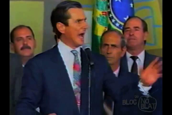 Em resposta a uma passeata de 10 mil estudantes em São Paulo, o presidente Collor fez um discurso inflamado pedindo aos brasileiros que saíssem de casa vestindo roupas nas cores da bandeira nacional
