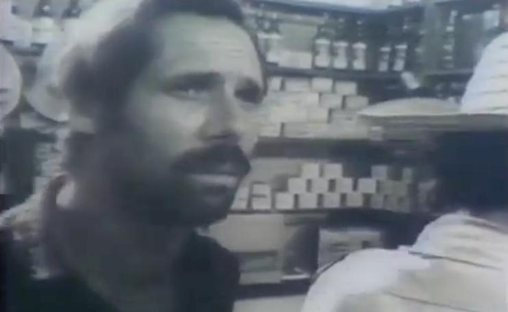 O filme de Ruy Guerra, de 1964, é considerado uma das obras-primas do Cinema Novo e também retrata a situação de pobreza extrema no interior do país