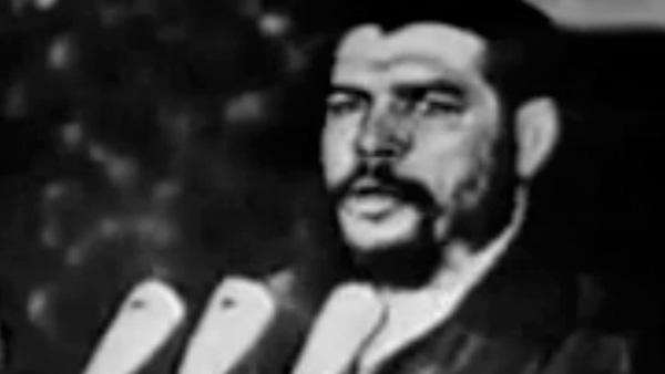Che Guevara discursa na ONU, em dezembro de 1964, e exalta a luta revolucionária como forma de defesa da soberania das nações