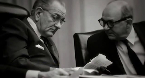 O documentário mostra gravações de conversas telefônicas em que o presidente norte-americano, Lyndon Johnson, autoriza a participação militar dos EUA no apoio ao golpe de 1964