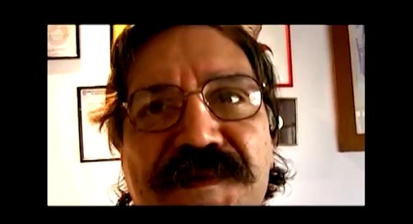 """O jornalista Sérgio Gomes relata o funcionamento da """"cadeira do dragão"""", instrumento de tortura utilizado pela repressão"""