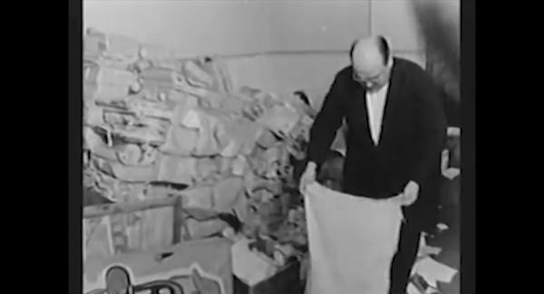 """Trecho do filme """"O Velho – A História de Luiz Carlos Prestes"""" que mostra o episódio daapreensão das cadernetas do dirigente comunista"""