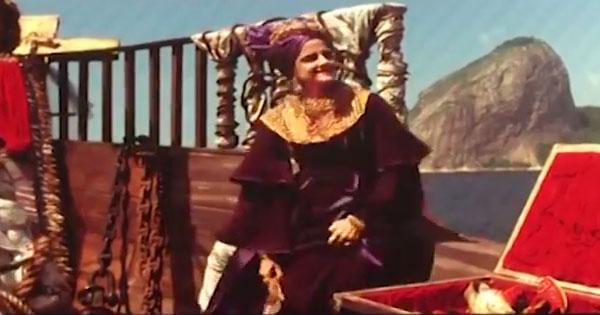 Cena do filme em que a princesa Carlota Joaquina vai embora do Brasil