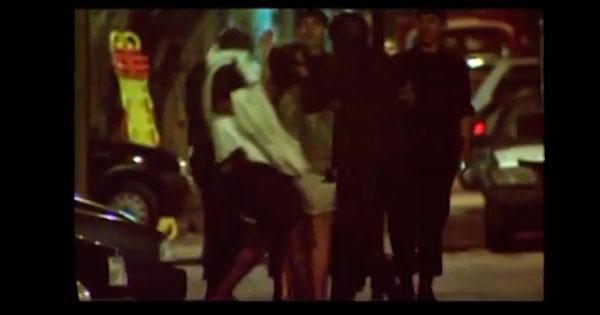 Trecho do documentário de José Padilha mostra o momento da morte da professora Geisa Gonçalves; o comentário é feito pelo ex-capitãoAndré Batista, do Bope, que desarmou o sequestrador