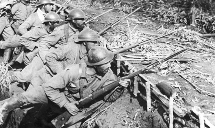 <strong> Soldados paulistas </strong> entrincheirados à espera da batalha<strong> </strong>