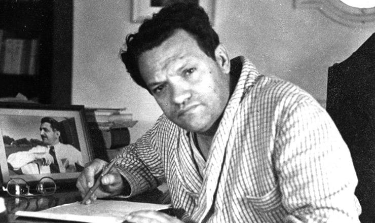 <strong> O escritor</strong> José Lins do Rego em sua casa