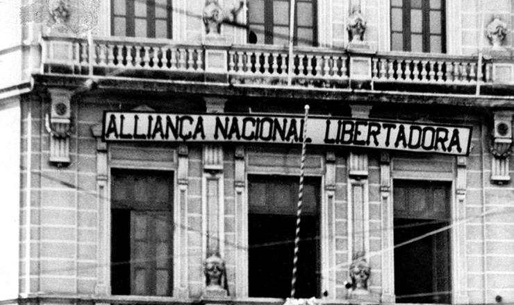 <strong> Sede da Aliança Nacional Libertadora,</strong> &nbsp;na rua Almirante Barroso, Rio de Janeiro. Foto de 1935
