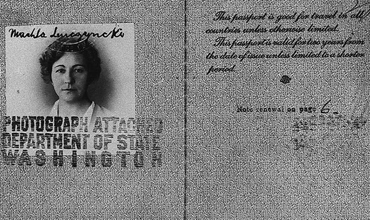 <strong> Passaporte americano utilizado </strong> por Elise Ewert em 1935, com<strong> </strong> o nome de Machla Lenczycki