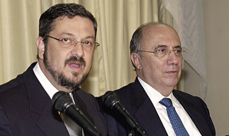<strong> O ministro da Fazenda, Antonio Palocci,</strong> <strong> e o presidente do Banco Central, Henrique Meirelles: </strong> porta-vozes da política econômica do novo governo