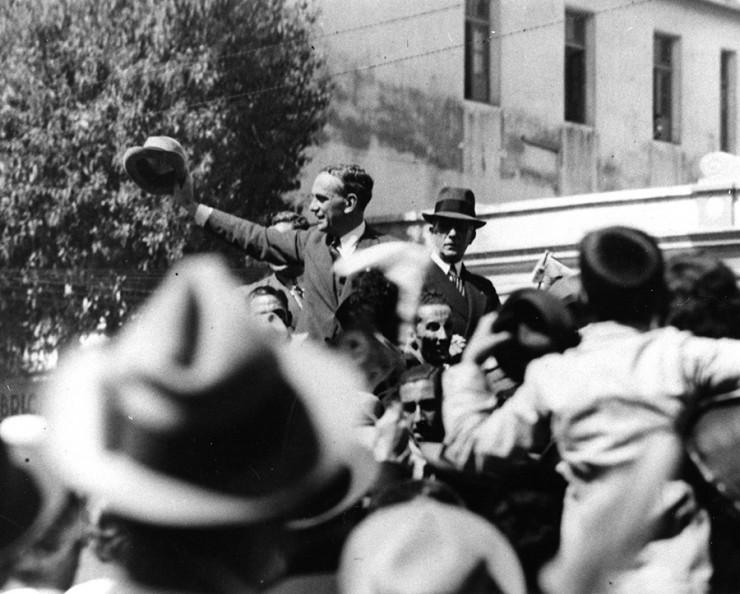 <strong> Armando de Sales Oliveira</strong> , do Partido Constitucionalista, em campanha &agrave; Presid&ecirc;ncia da Rep&uacute;blica, em 1937