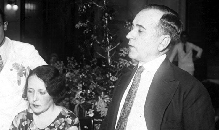 <strong> Getúlio Vargas durante campanha</strong> em1930, ao lado de sua mulher, Darcy Vargas