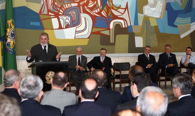 Conselhão é criadopara discutir políticas públicas de desenvolvimento econômico e social