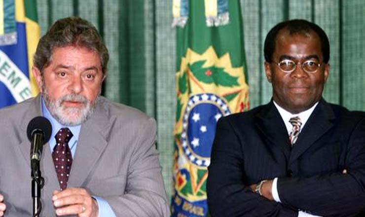 <strong> Presidente Lula anuncia a escolha de Joaquim Barbosa: </strong> um negro no STF,66 anos depois