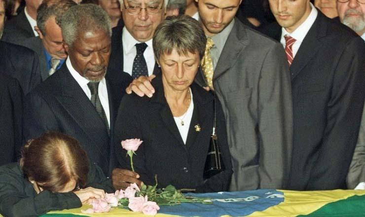 <strong> Kofi Annan, secret&aacute;rio-geral da ONU, ao lado de Lula no vel&oacute;rio</strong> de S&eacute;rgio Vieira de Melo, no Rio de Janeiro