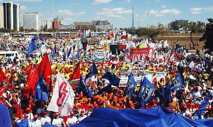 <strong> Manifestação contra</strong> a reforma da Previdência na Esplanada dos Ministérios, em Brasília