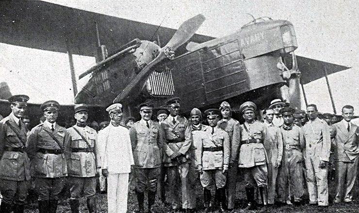 <strong> Aviação militar:&nbsp;</strong> o bombardeiro Ava&iacute; no Campo dos Afonsos, Rio de Janeiro
