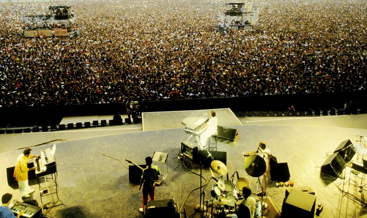 <strong> Ivan Lins se apresenta </strong> no palco do &quot;Rock in Rio&quot;, que reuniu bandas novas como os Paralamas do Sucesso, Blitz e Bar&atilde;o Vermelho e m&uacute;sicos j&aacute; consagrados, como Gilberto Gil, Alceu Valen&ccedil;a e Rita Lee&nbsp;