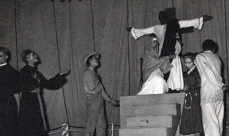 <strong> Cena da primeira adapta&ccedil;&atilde;o </strong> de &quot;O Auto da Compadecida&quot;, em 1956